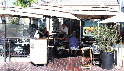 GG's Bistro patio