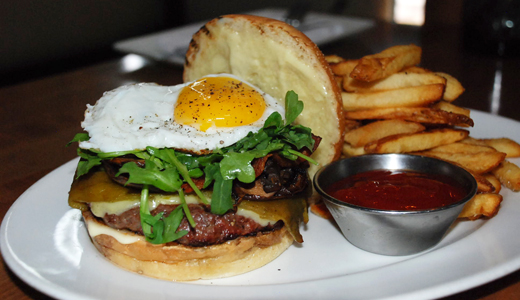 10 Napkin Burger 370 Common