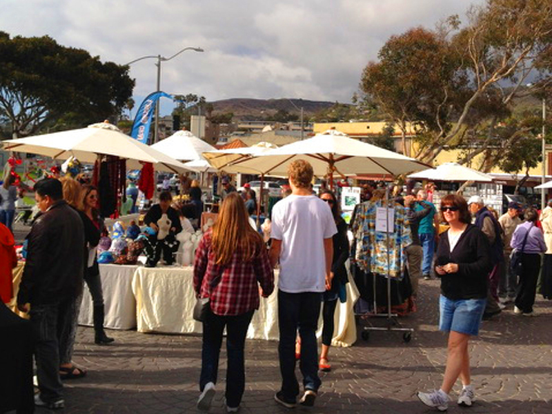 Sunday, Jan 28th, re-introduces Laguna Craft Guild art show at Main Beach